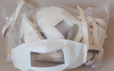Mascherine trasparenti: gli insegnanti dovranno indossarle a scuola