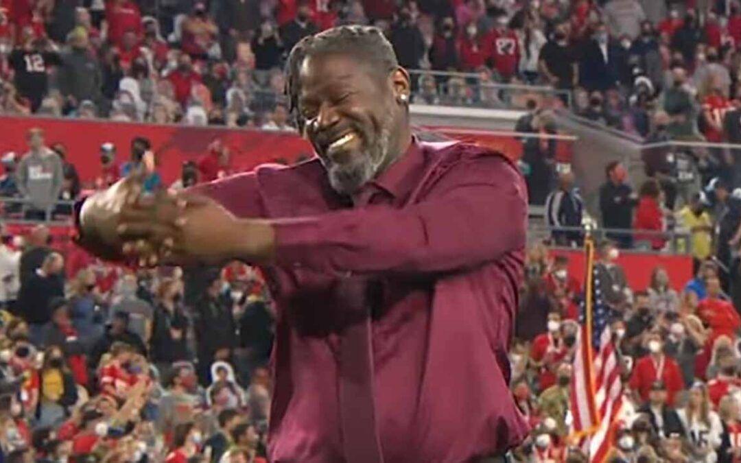 Wawa e l'Inno Nazionale Americano in Lingua dei Segni al Super Bowl 2021