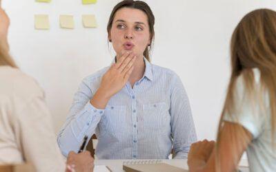 Vuoi imparare la lingua dei segni? Ecco cosa devi sapere